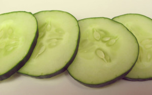 cucumber slices for dark circles